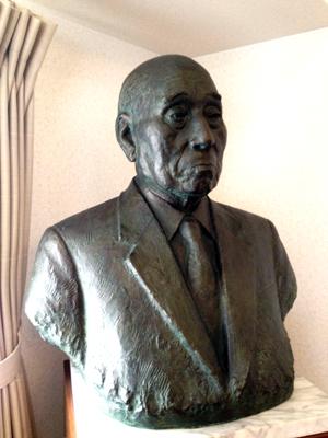 是川銀蔵翁之銅像